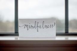 Schönes Schild, auf dem Mindfulness steht
